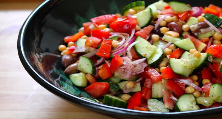 Mediterranean Garbanzo Salad